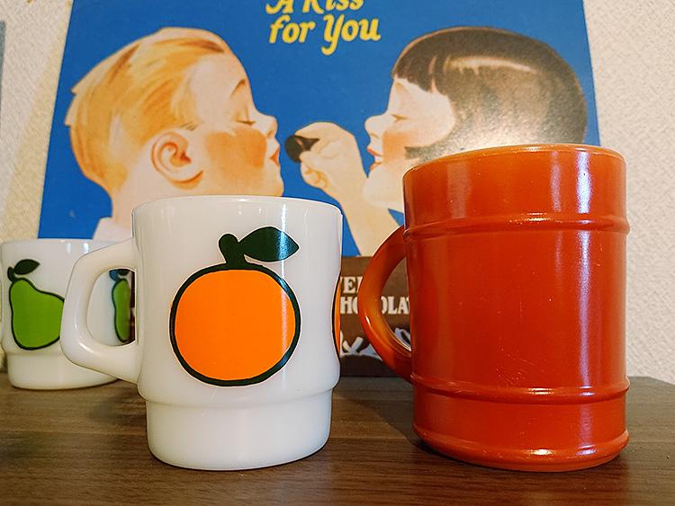 ファイヤーキング バレルマグ 赤茶、スーパーフルーツマグ オレンジ