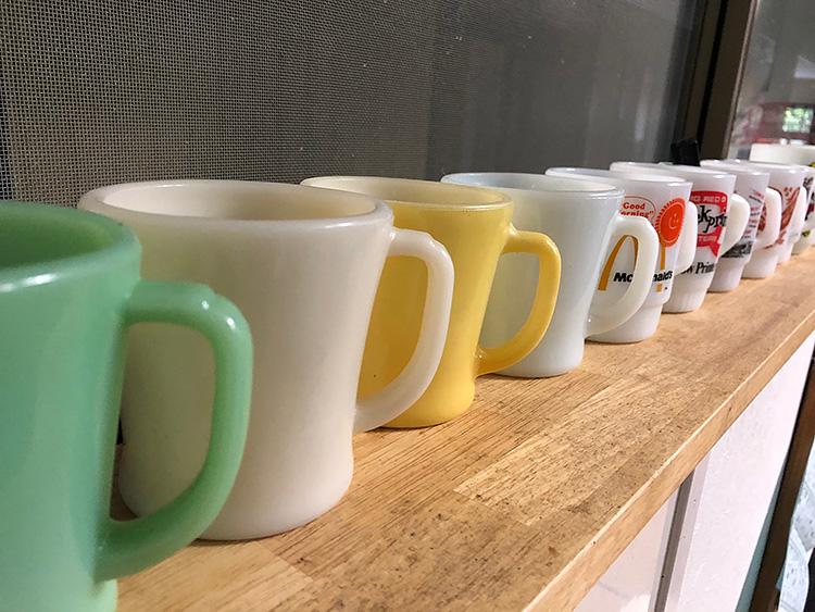 ファイヤーキング グレートシール 橙、クラシカルクロス 茶、Dハンドルマグ アイボリー シェービング、マクドナルド グッドモーニングマグ